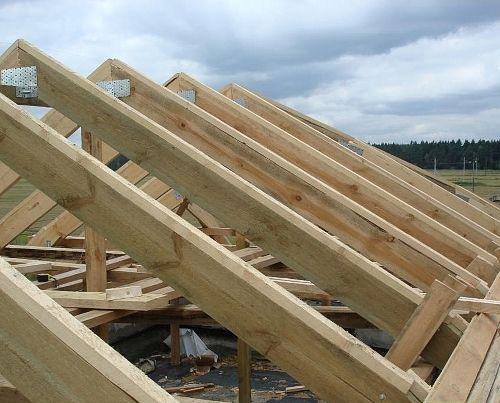 Крыша деревянного гаража